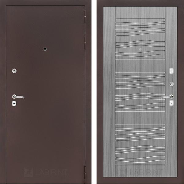 Входная металлическая дверь Лабиринт Классик 6 (Антик медный / Сандал серый)