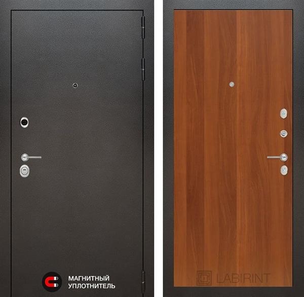 Входная металлическая дверь Лабиринт Сильвер 5 (Антик темное серебро / Итальянский орех)
