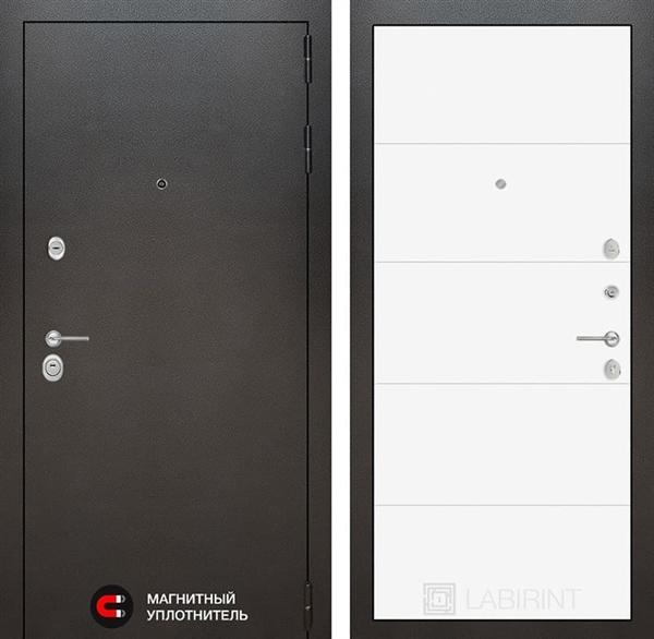 Входная металлическая дверь Лабиринт Сильвер 13 (Антик темное серебро / Белый софт)