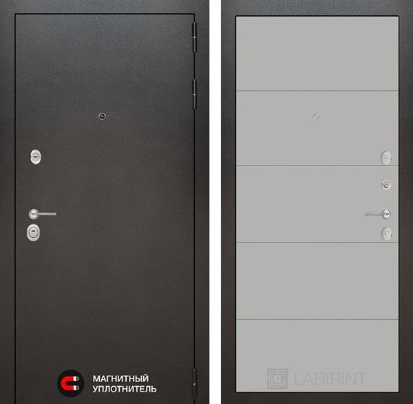 Входная металлическая дверь Лабиринт Сильвер 13 (Антик темное серебро / Грей софт)